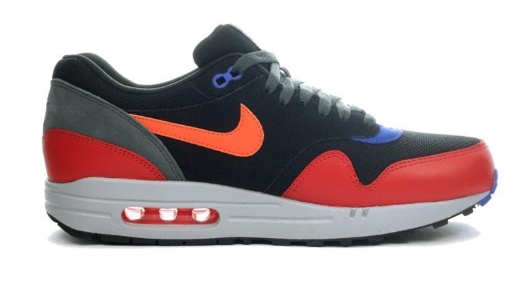 Nike Air Max 1 Essential 537383-017 Zwart Rood